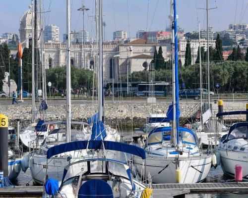 Luxury Yacht - can also sail, or sleep in Cascais!, Lisboa