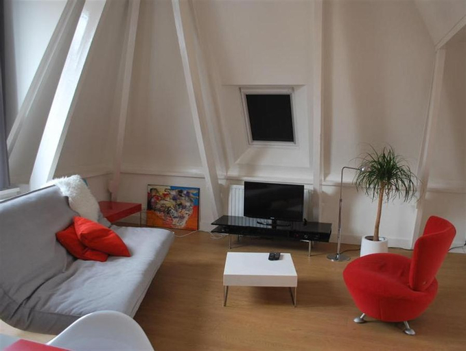 Loft 6 kingsize apartment 2-4persons with great kitchen, Groningen