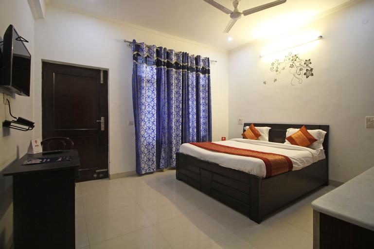 OYO 7526 Rising Star Sec 45, Gurgaon
