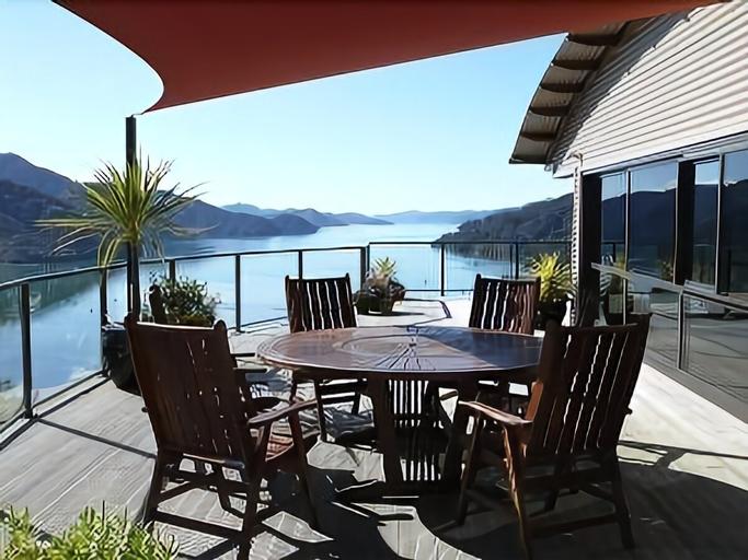 Okiwa Bay Lodge, Marlborough