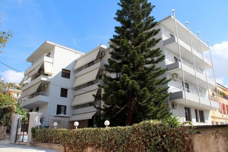 Hotel Star, Sarandës