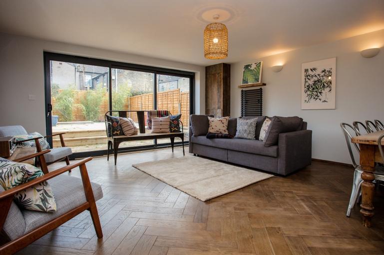 5 Bedroom House in East London, London