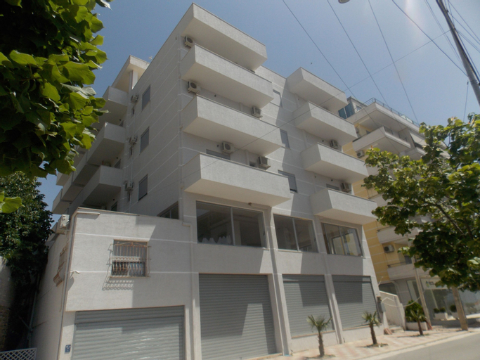 Adi apartments, Sarandës