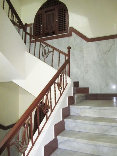 Arabian Nights Hotel, Al-Jamaliyah