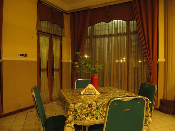 Lestari Hotel & Resto (tutup sementara), Jember
