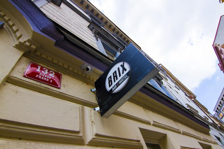 Brix Hostel, Praha 8