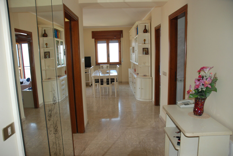 PERELLA HOUSE, Salerno
