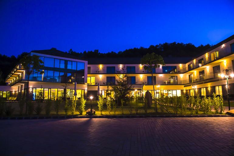 Castellum Hotel Hollókő, Szécsény
