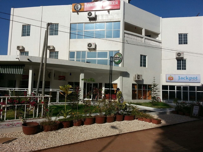 Woodpecker Resort, Kombo Saint Mary