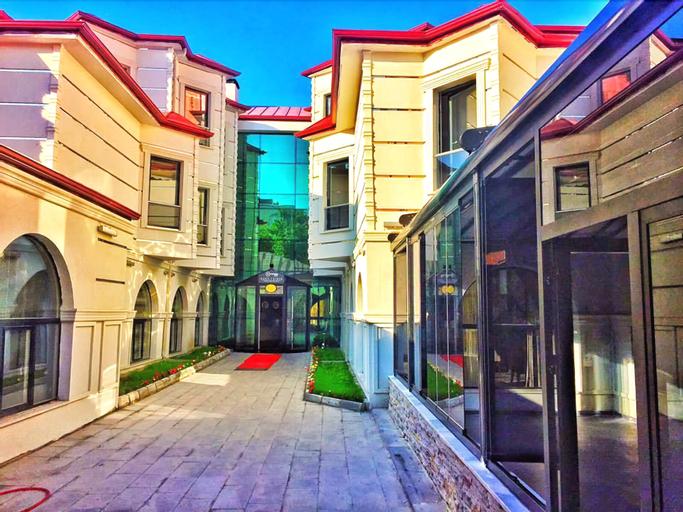 Kars-i Sirin Hotel, Merkez