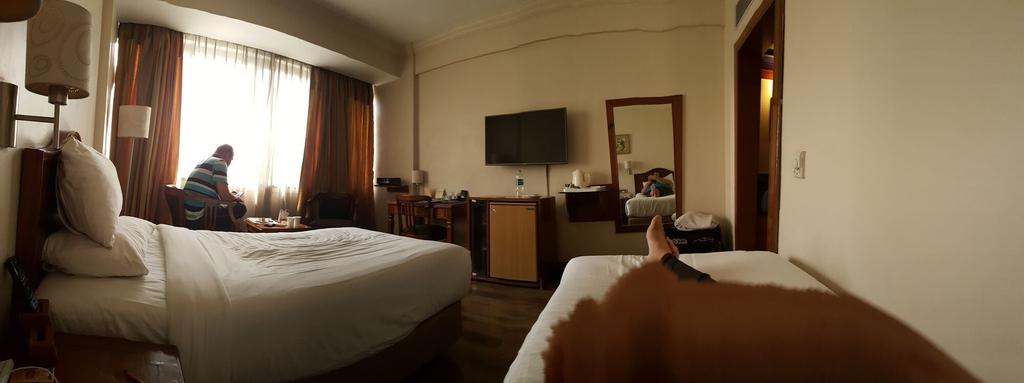 Hotel De Romana, West