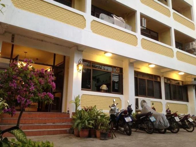 A&M Apartment, Wang Thonglang