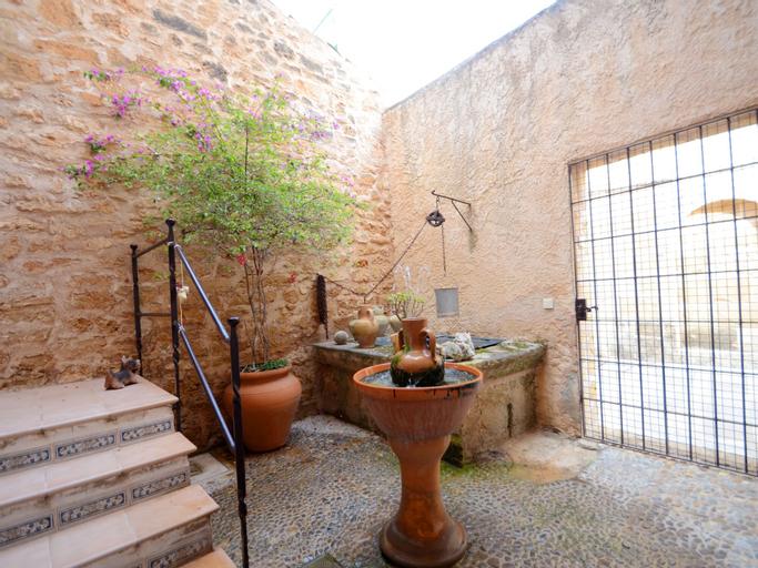 Casa Sant Jaume, Baleares