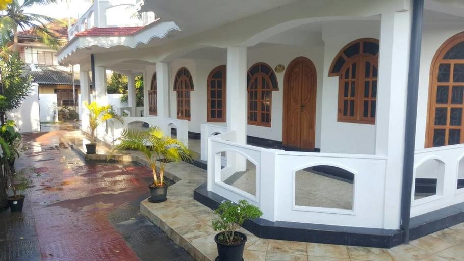 Chandra Guest House, Valikamam West