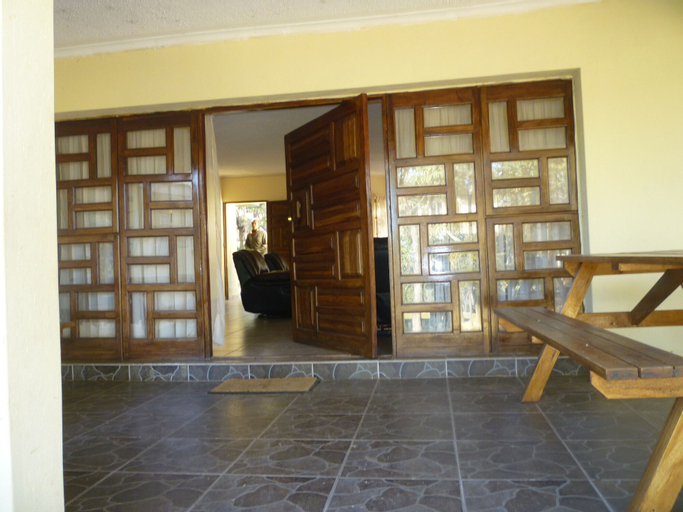 Daisy Executive Lodge, Zvimba