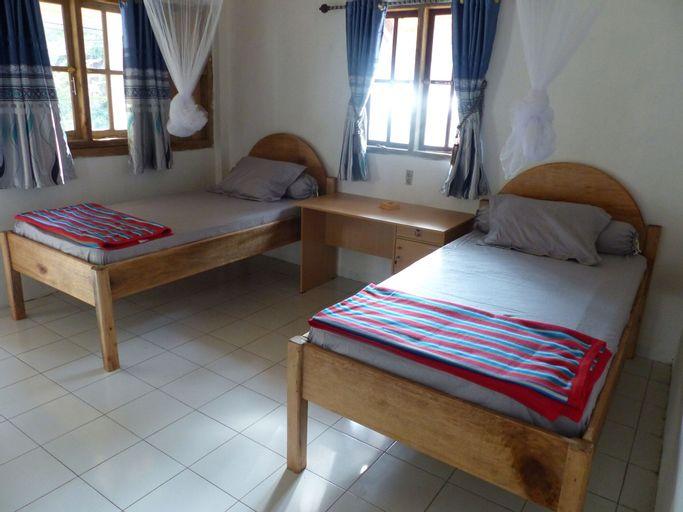 Krui Surf Camp Hotel Mutiara Alam Zandino, West Lampung