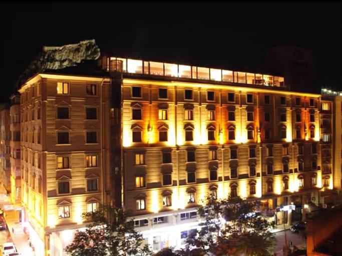 MCG Cakmak Marble Hotel, Merkez