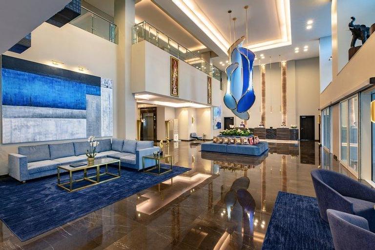 Centara West Bay Hotel & Residences Doha,