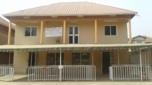 ACIF Hotel Ltd, Busongora
