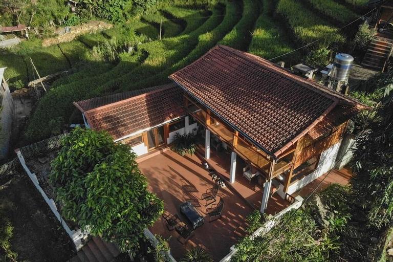 Lucky Daisy Buffalo House, Sa Pa