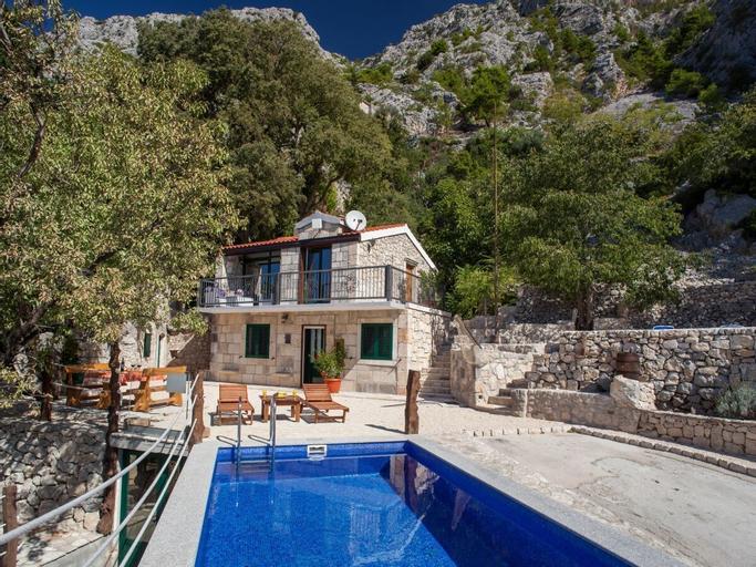 Villa Klara, Makarska