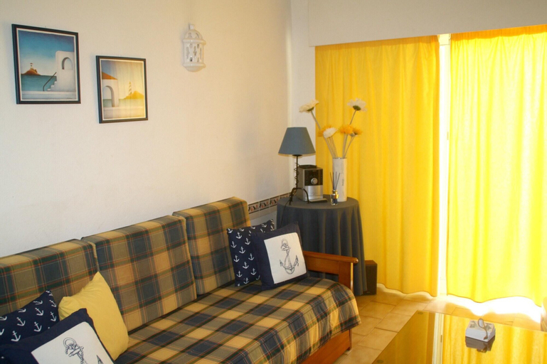 Apartment With 2 Bedrooms in Porches, With Pool Access and Furnished G, Lagoa
