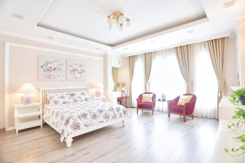 Rose apartment near the West lake, Ba Đình