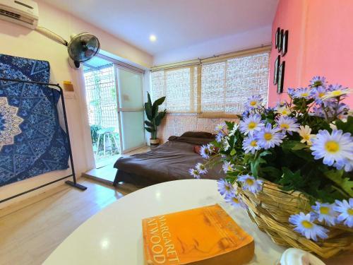 Dinh House - Silent HomeStay In Center, Hoàn Kiếm