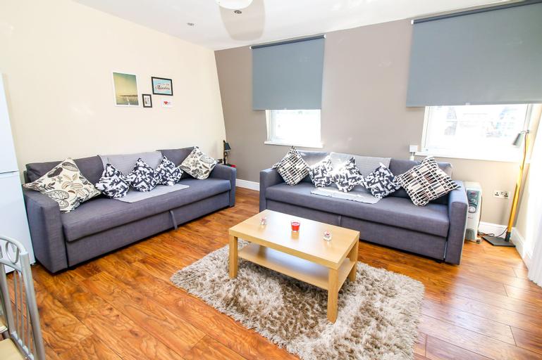 City view flat at Liverpool st Brick Ln, London