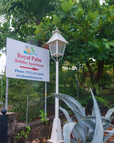 Royal Palm Holiday Apartment,