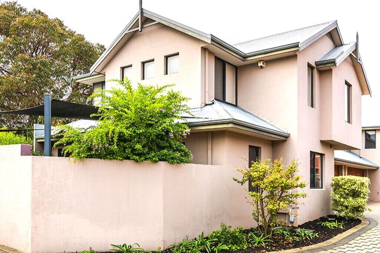 Coode Street Townhouse, South Perth