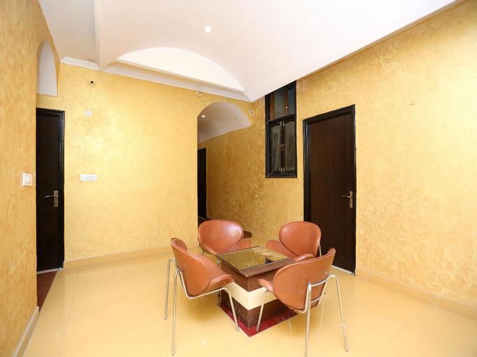 OYO 15525 Signature Inn, Faridabad