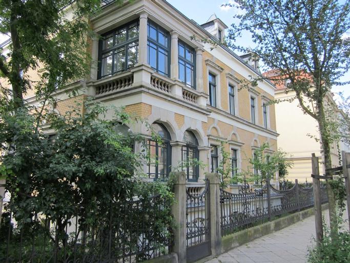 Villa Barbara Dresden, Dresden