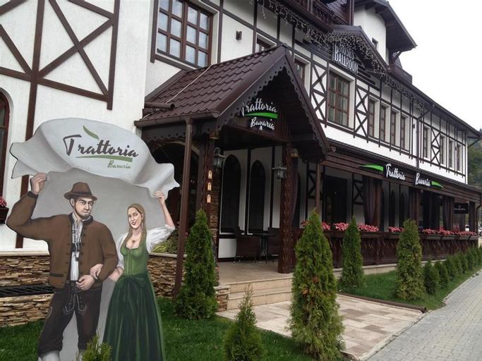 Conac Bavaria, Busteni
