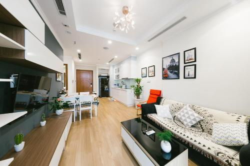The MARCH House No.2 * 2 Bedrooms * Park Premium * Times City, Hoàng Mai