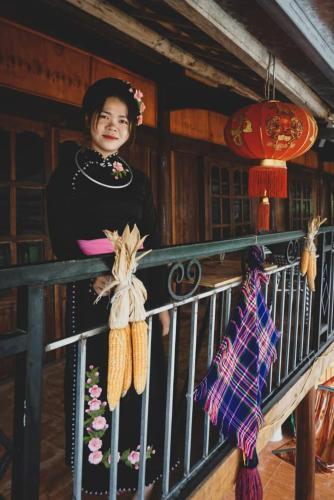 Sister's House, Đồng Văn