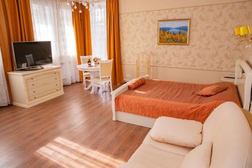 Hotel Soyuz, Tomskiy rayon