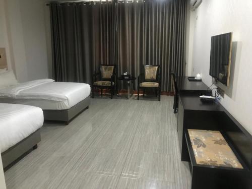 Mong Kok Luxury Hotel, Dili Barat
