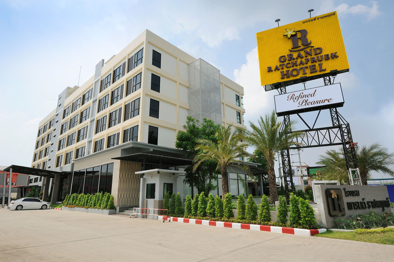 Grand Ratchapruek Hotel, Bang Bua Thong