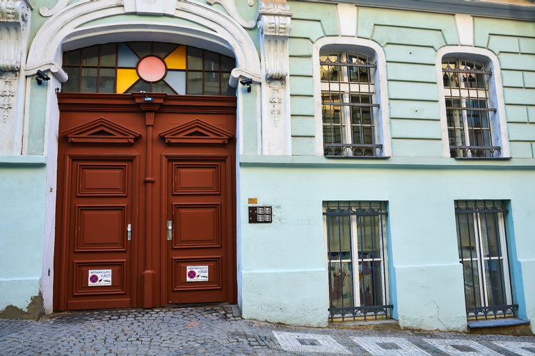 Vita Nejedleho apartments, Praha 8