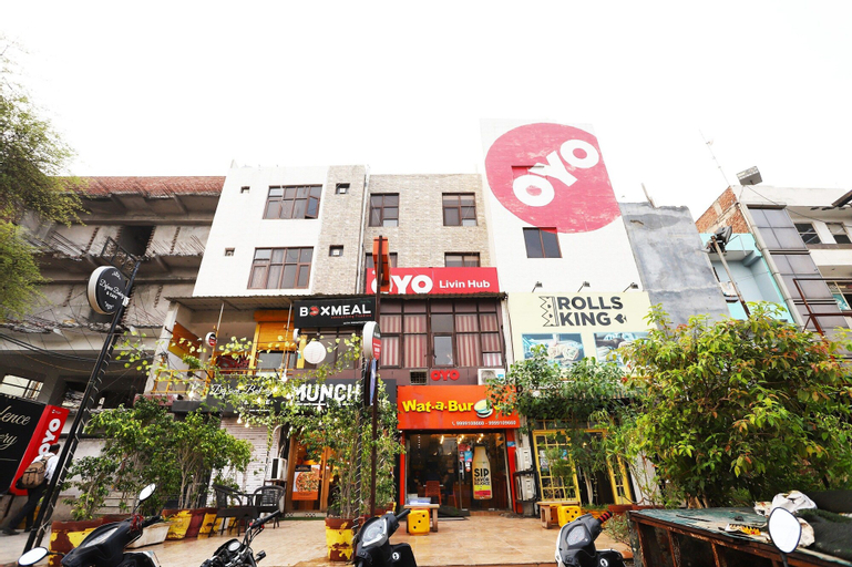 OYO 11521 Livin Hub, Gautam Buddha Nagar