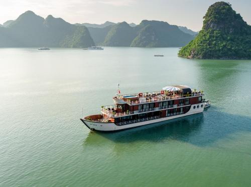 Orchid Premium Cruises Ha Long Bay, Hạ Long