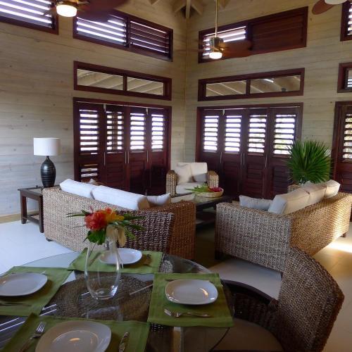 Coral Beach Village Resort, Utila