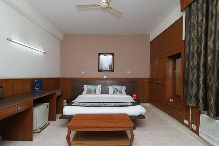 OYO 10177 A Gulshan Continental, Gautam Buddha Nagar