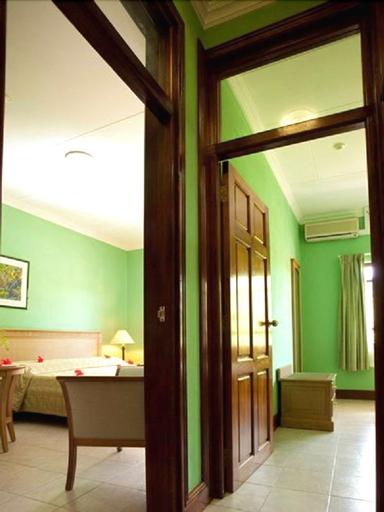 Gregoire's Apartments,
