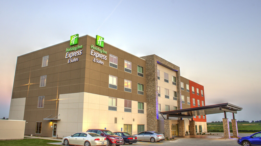 Holiday Inn Express & Suites Spencer, Clay