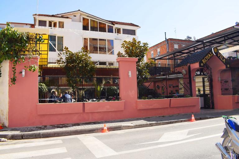 Royal Vila Hotel, Tiranës