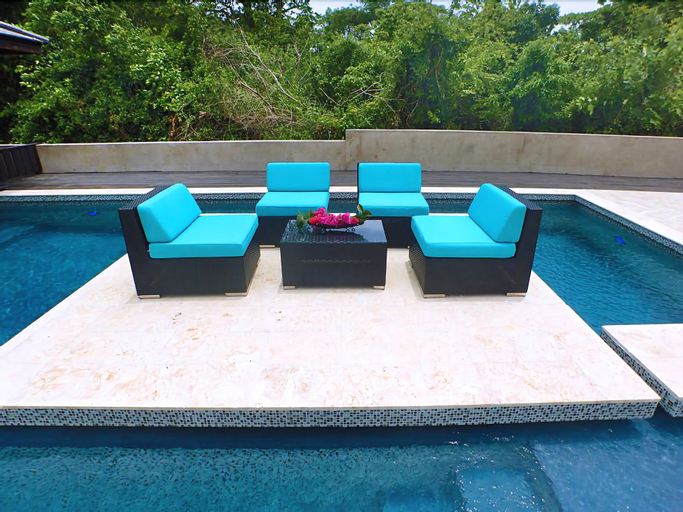 Cool Breeze, 3BR by Jamaican Treasures,