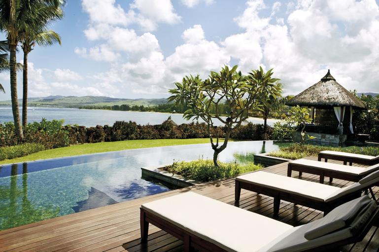 Shanti Maurice Villas Resort,