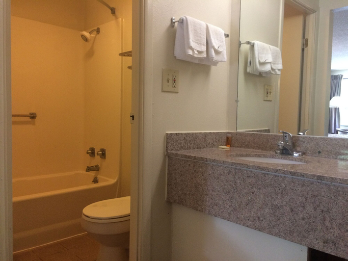 Motel 6-Salem, VA, Salem